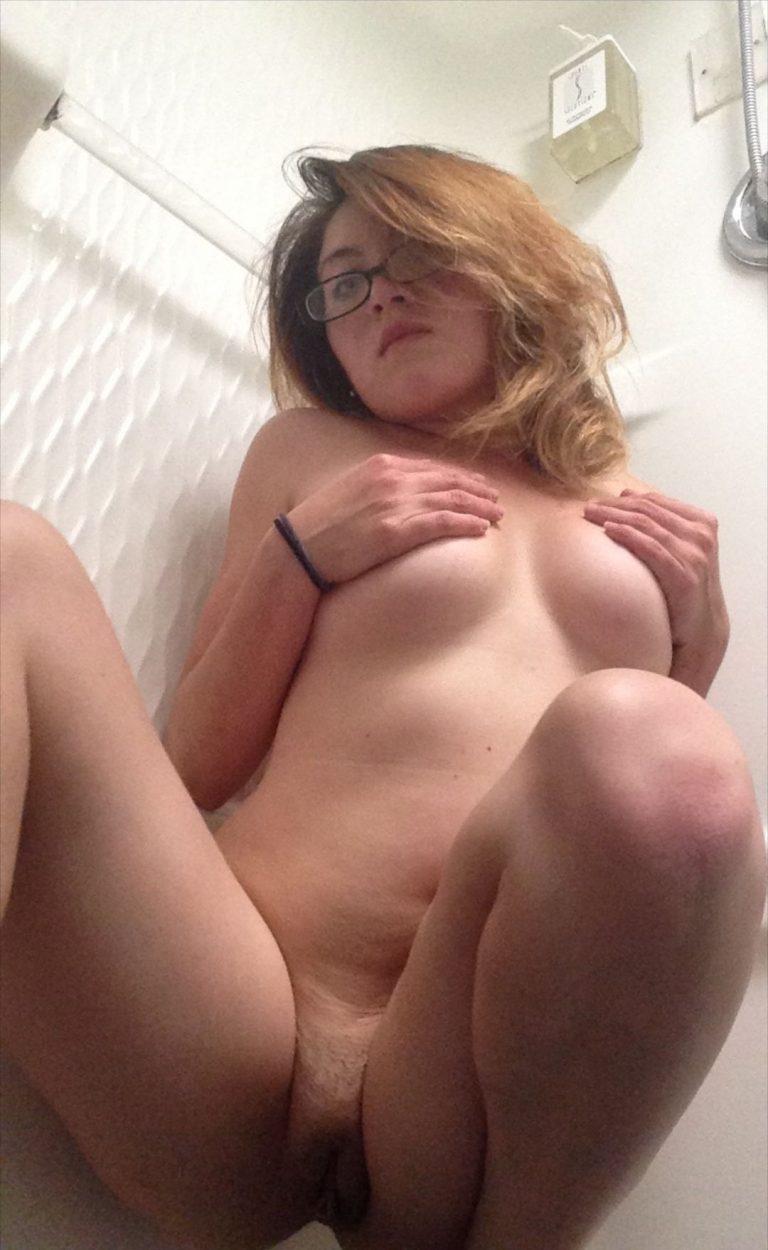 http://www.sextingpics.com/wp-content/uploads/2017/05/media_HsWxjg_78d926b57c6ad2911589615d0bcae080-768x1250.jpg