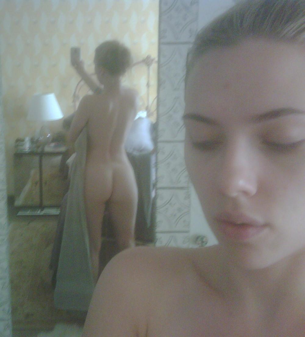 turkey-scarlett-johansson-nude-self-pics-chan